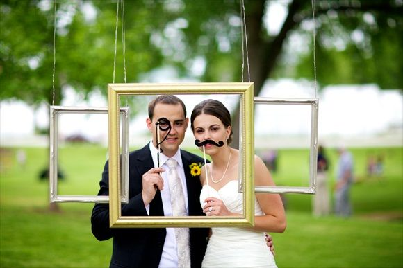 homemade photo booths | Budget Bride Tip: Create a homemade photo booth | Interest.com