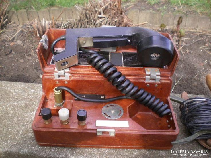 Néhai CCCP-stábori telefonok.