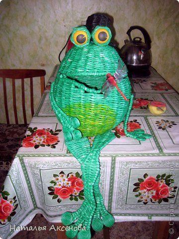 Мастер-класс Поделка изделие Плетение Лягушка - Мистер Тремор + МК Бумага газетная Трубочки бумажные фото 1