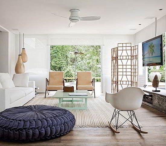 Conheça 12 Modelos de Casas de Praia decoradas que podem servir como inspiração na hora de decorar a sua casa de praia, abuse do seu bom gosto.