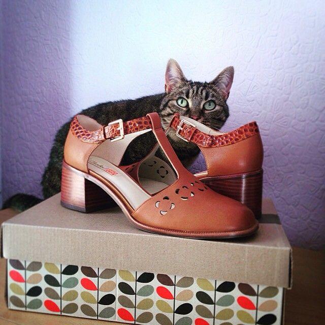 Faye & kitty share their love for Orla Bibi | Shop our Orla Kiely shoes: http://www.clarks.co.uk/c/womens-orla-kiely