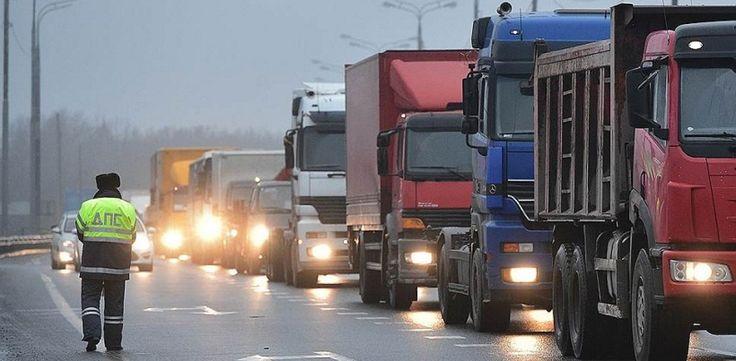 Вот теперь Путину полная ж**а! Москва почти полностью стала! Простые москвичи на авто присоединились к акции протеста дальнобойщиков (ФОТО + КАРТЫ)