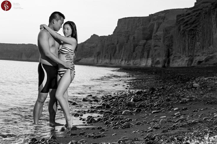 Photo shoot at Vlichada beach in Santorini Island !!   #phosart #wedding #destination #location #santorini #greece #love #story #marriage #ideas #weddingideas #script #cinematography #cinema #short #film #highlights #video #photos #session
