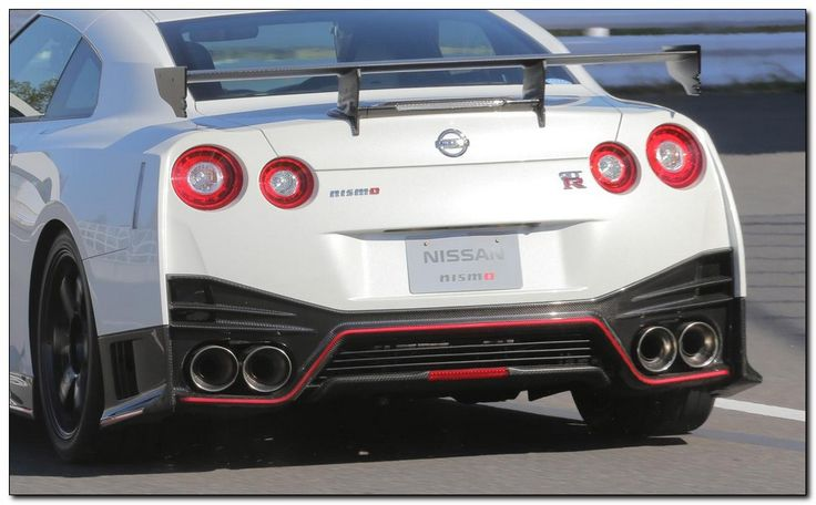 2015 Nissan Skyline GT-R R35 45th Anniversary Edition - http://car-tuneup.com/2015-nissan-skyline-gt-r-r35-45th-anniversary-edition/?Car+Review+Car+Tuning+Modified+New+Car