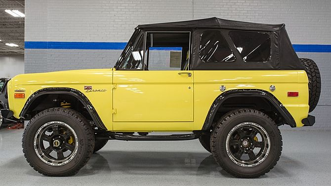 1970 Ford Bronco Lift Kit, 35 Inch Tires presented as lot F104 at Schaumburg, IL 2015 - image2