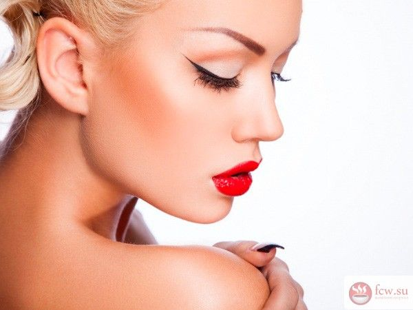 Основные тренды макияжа зимы 2016/2017 https://www.fcw.su/blogs/moda-i-krasota/osnovnye-trendy-makijazha-zimy-2016-2017.html  Весьма важным штрихом при создании любого образа является макияж. Каждый сезон появляются все новые тенденции модного мейк апа, которые выражаются в использовании новой палитры красок, техники нанесения и нестандартных подходах. Следует отметить несколько модных бьюти-трендов, которые предлагают стилисты зимой 2016/2017.