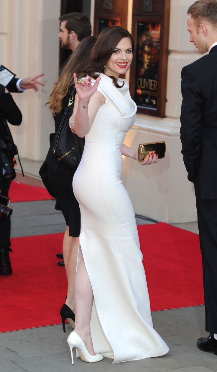 Hayley Atwell Lovely Curves In A White Dress  Hayley -8030