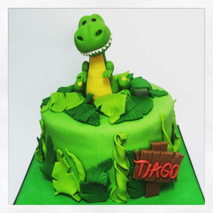 Torta dinosaurio by @cupsandcakes_cl #dinosaur #rex #torta #cake #dinosaurio #cumpleaños