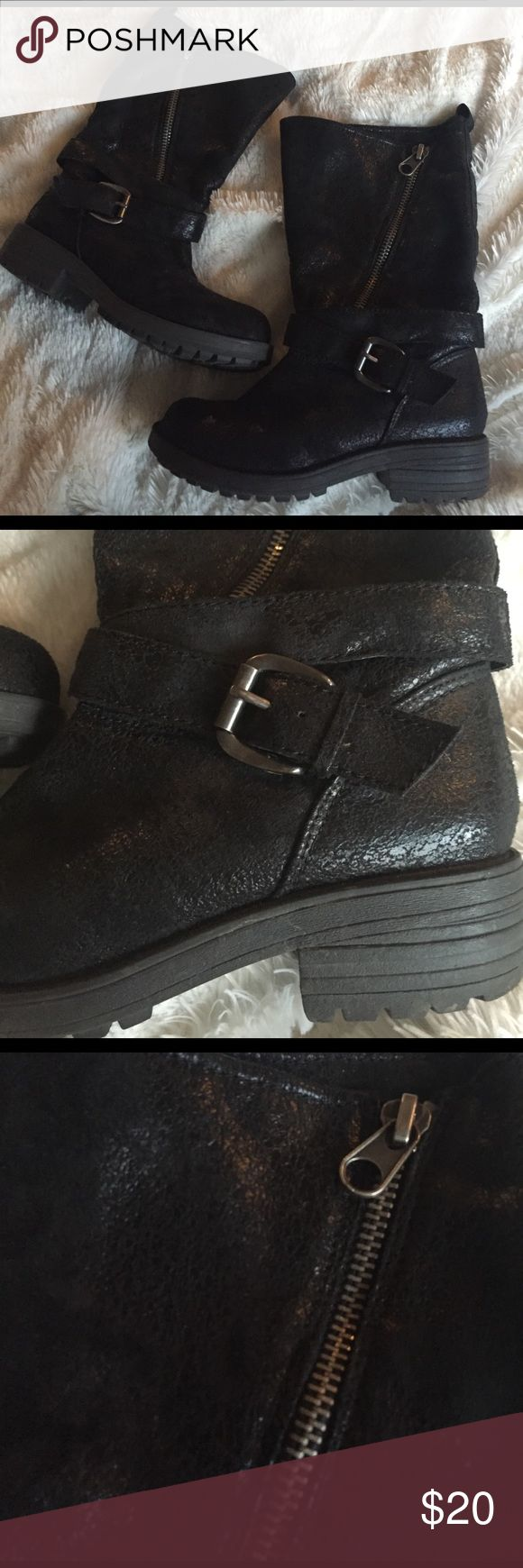 Big Buddha Fleece Lined Mid Calf Boots Super cute and comfy with fleece on the inside. Shiny cracked leather look on the outside. Cool buckle and zipper detailing. In great condition. Big Buddha Shoes Combat & Moto Boots