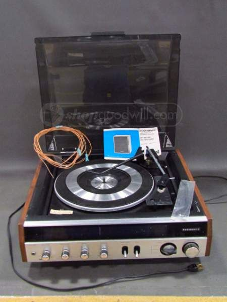 panasonic am fm stereo center turntable sd 203 vintage electronics pinterest auction and. Black Bedroom Furniture Sets. Home Design Ideas