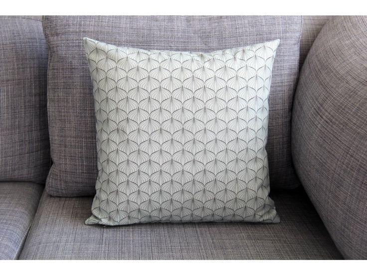 Cibulky na slabé mentolové. Originální dekorativní bavlněné povlaky na polštáře, šité z kvalitní designované 100% bavlny vyšší gramáže, k zútulnění vašeho domova.