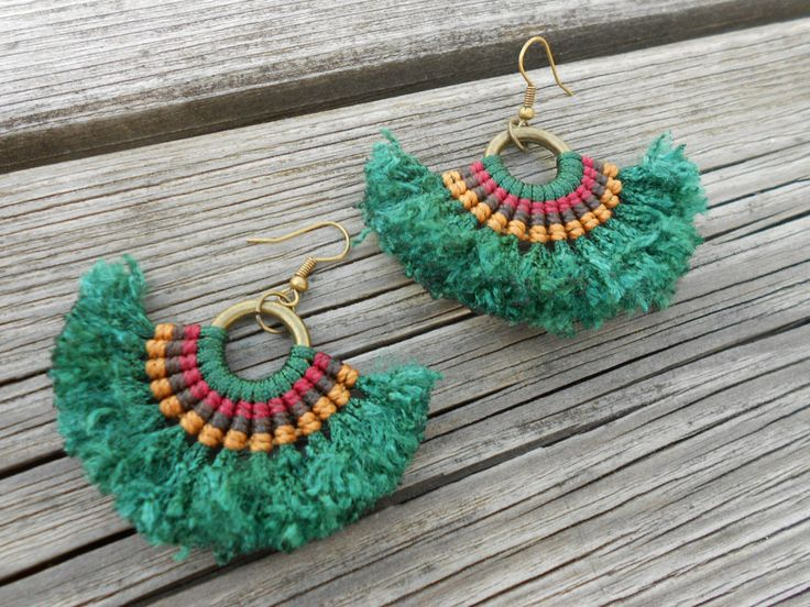 Macrame earrings African inspiration. You can choose the color !! de PrincipiArt en Etsy                                                                                                                                                                                 Más