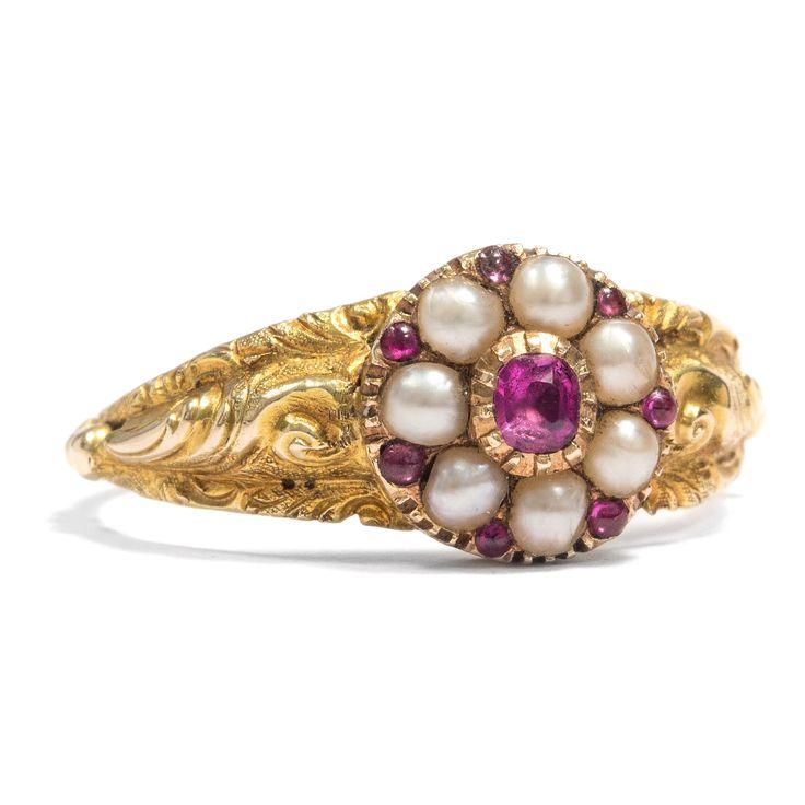 Blumen für die Liebesgöttin - Früh-Viktorianischer Blüten-Ring mit Rubin & Naturperlen in Gold, um 1845 #hoferantikschmuck #antik #schmuck #antique #jewellery #jewelry