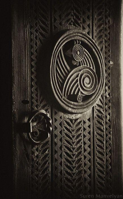 Old Armenian Decorative Door in Yerevan, Armenia - Photo by Suren Manvelyan - http://www.surenmanvelyan.com/artifact/old-armenian-doors/?wppa-album=16&wppa-cover=0&wppa-occur=1