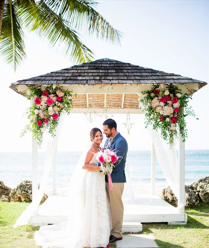 Beautiful bright colors take center stage at our Villa Montana Beach Resort oceanfront ceremony!