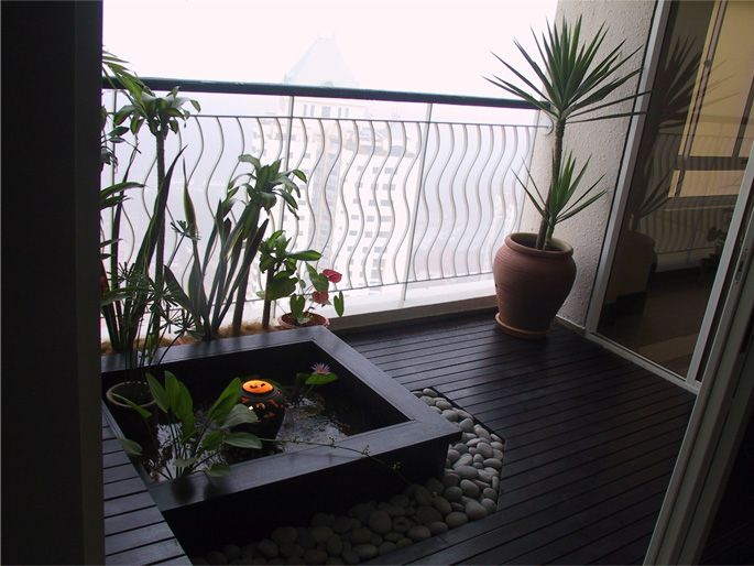 Neo nusantara balcony garden balcony garden for Balcony features