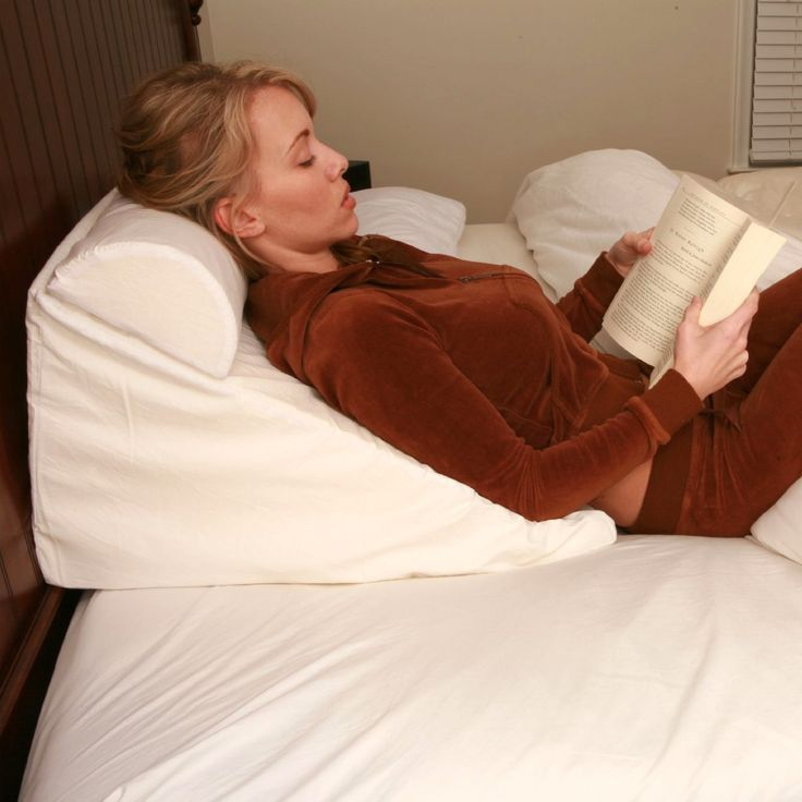 BED WEDGE SUPPORT PILLOW. It is a fabulous drug free way to relieve night time symptoms of heartburn, acid reflux disease or GERD, and hiatal hernias. It alaso helps decrease sinus congestion while you sleep, reducing snoring, and sleep apnea symptoms. #memoryfoam