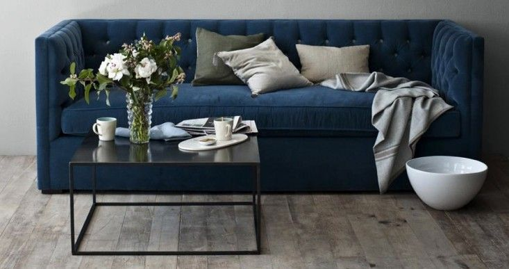 blaue samt couch mit blumen gastlich hospitable pinterest search velvet and navy sofa. Black Bedroom Furniture Sets. Home Design Ideas