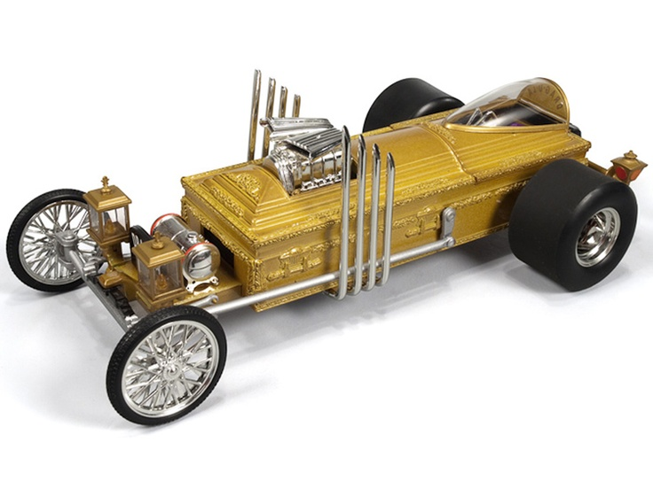 ERTL Diecast Model Car   This Munster Drag U La Diecast Model Car From The  Munsters TV Series Is Gold And Features Working Wheels.