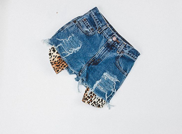"201 Vintage Levi's Cheetah Shorts - 24"""