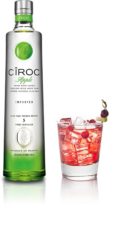 CÎROC APPLE SMASH: Vodka Cranberry Splash using CÎROC™ Apple, cranberry juice and fresh lime juice