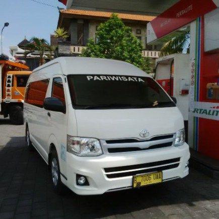 Sewa Mobil Toyota Hiace Commuter Jogja Paket Harian dengan harga murah lengkap dengan driver dan bahan bakar di Mita Transport, SlemanYogyakarta Telp. 0822 4343 9356. Bila Anda sedang berkunjung ke…