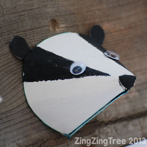 Cute woodland animal (badger) made from paper cones. A cute craft to do with kids.