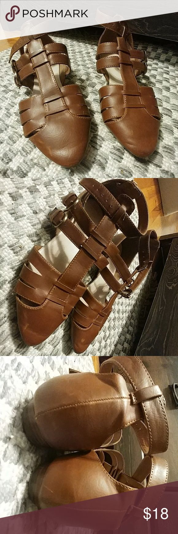 Size 8 Leather Restricted Sandals Great condition and like new. Hardly any wear and no apparent defects. Very comfortable and go great with most outfits! Restricted Shoes Sandals