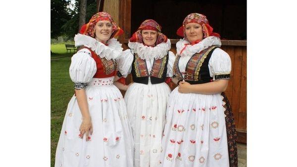 český kroj - Hledat Googlem