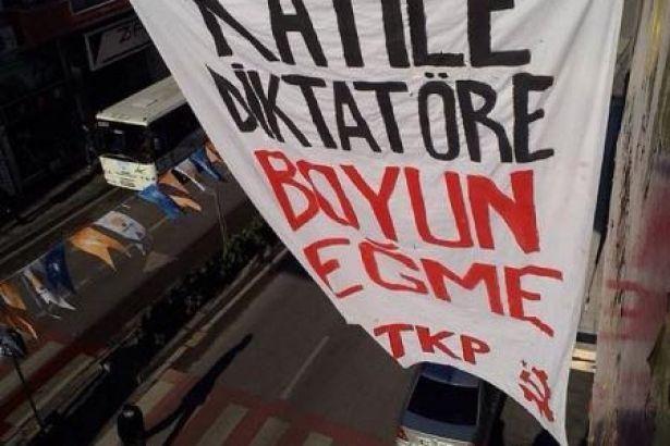 TKP'nin 'Katile, diktatöre boyun eğme' pankartına beraat | soL Haber Portalı | güne soL'dan bakın