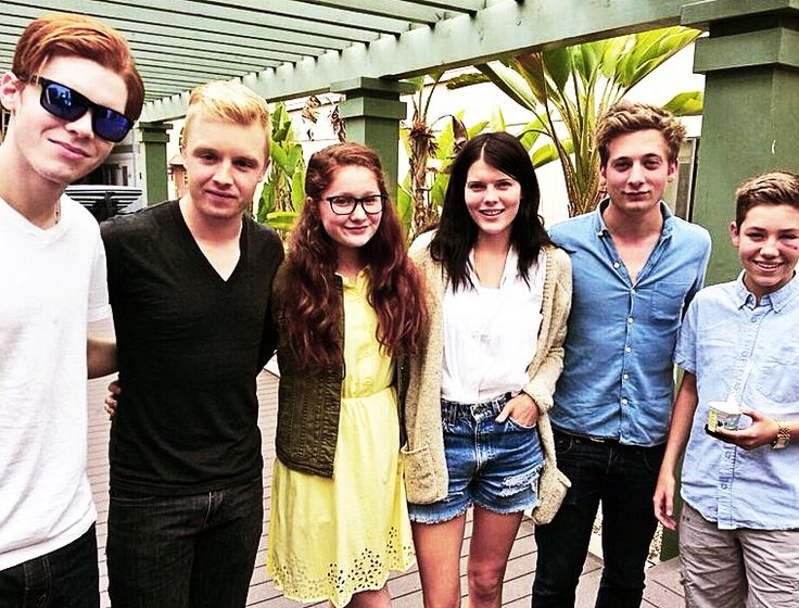 Cameron Monaghan, Noel Fisher, Emma Kenney, Emma Greenwell, Jeremy Allen White & Ethan Cutkosky