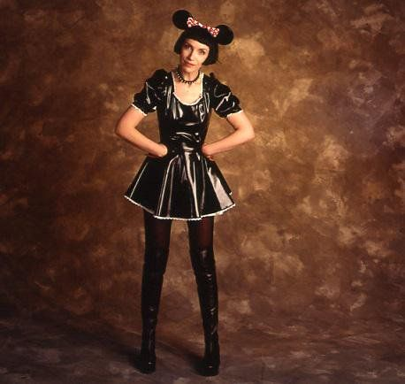 Annie Lennox sported a Minnie Mouse look for the 37th Grammy Awards (1995)