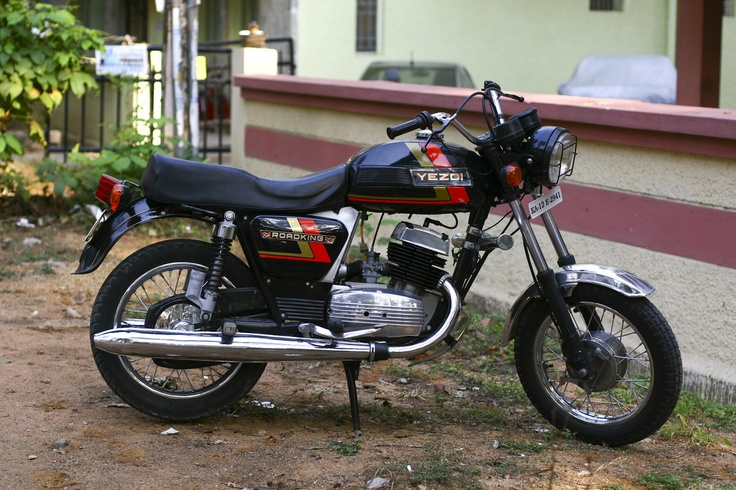 YEZDI ROADKING - Made in Mysore until the 90s, those bikes were coming from a joint-venture between two companies, an Indian one and a Czechoslovakian. Yezdi and Jawa. They're supposed to be reliable and have quite a unique style and sound.