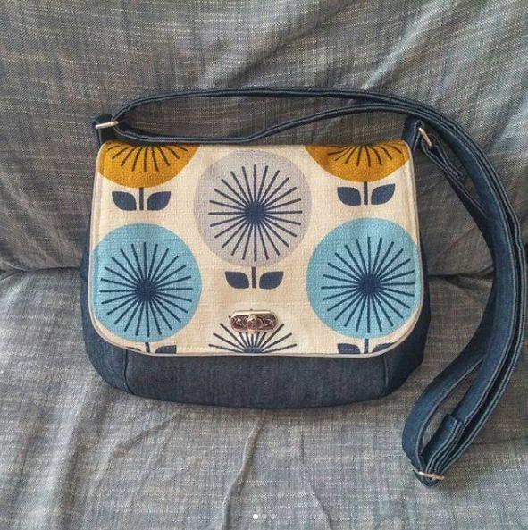 Jessica Jones Sunburst modern barkcloth fabric for Cloud9 Fabrics. Sunrise Saddle Bag sewing pattern from Dog Under My Desk, made by @genevieve_ksc
