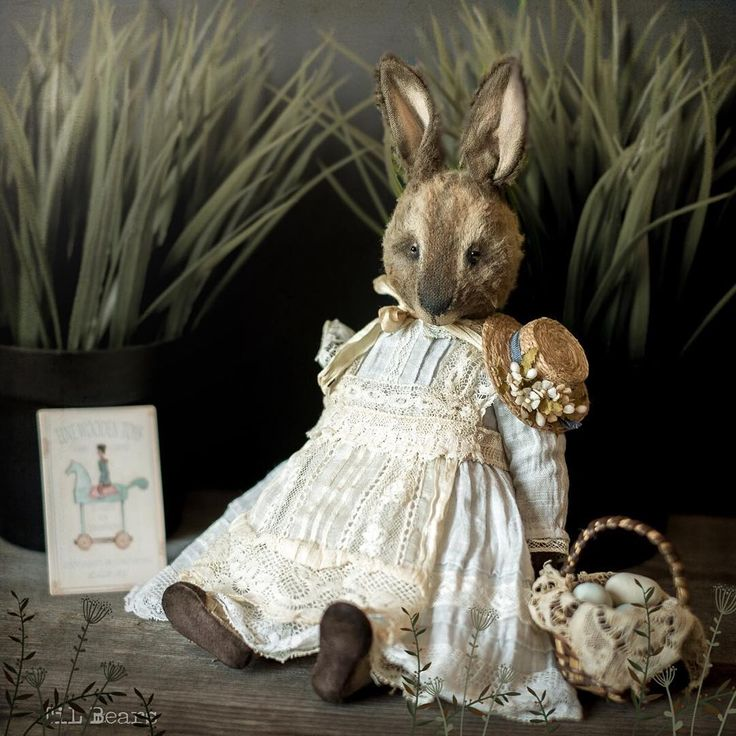 580 отметок «Нравится», 77 комментариев — Tatiana Lyubimova (@tinalyubimova) в Instagram: «Rabbit Miss Mary Вискоза, опилки, мет.гранулят, хлопок, шёлк, антикварное кружево, джут,…»