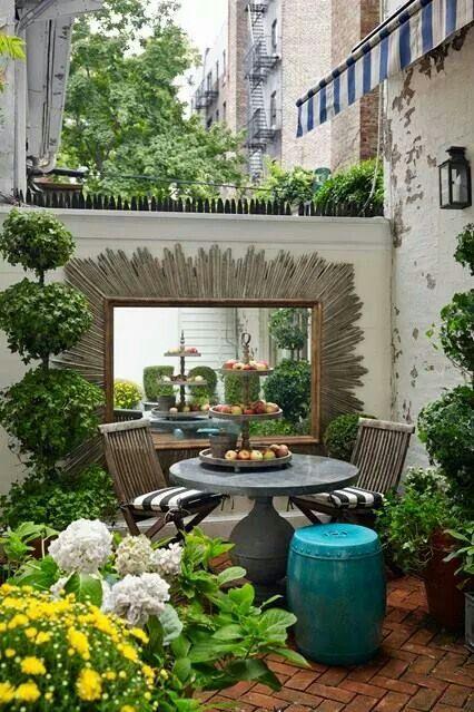 Gorgeous small garden