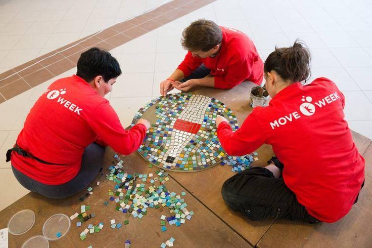 Mozaikozás #corporatevolunteering #vállalatiönkéntesprogram #volunteeringisfunwithus #volunteering #moveweek
