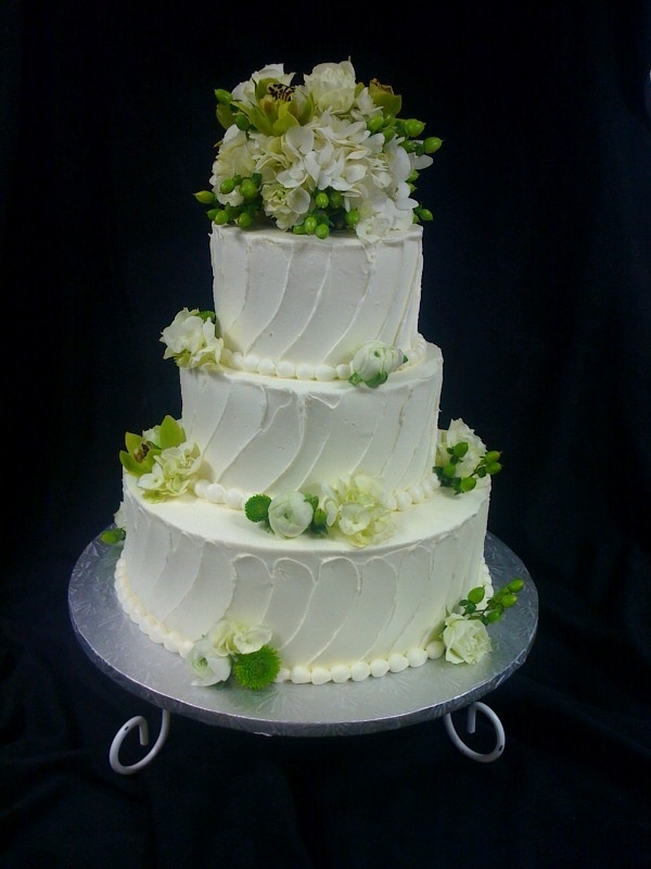 Tier With Fresh Flowers Wedding Cakes Pinterest