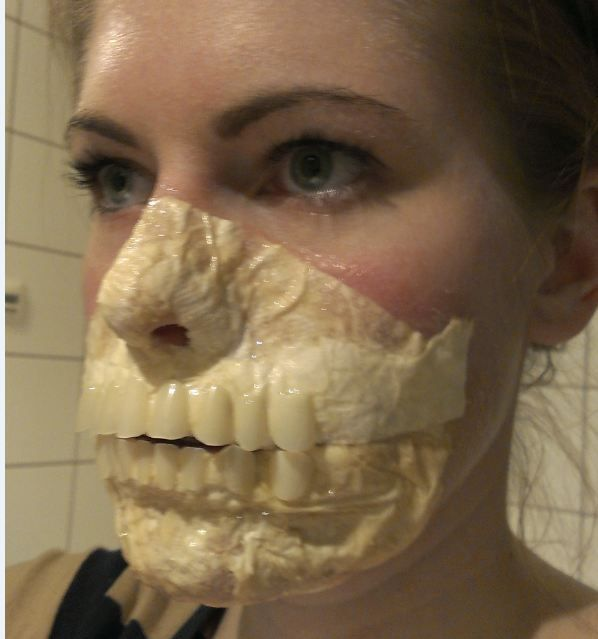 Zombie makeup latex - easy and cheap homemade mask, this is AWESOME.
