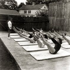 Joseph Pilates teaches a mat class. I love vintage Pilates photos!