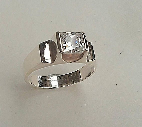 Hey, I found this really awesome Etsy listing at https://www.etsy.com/au/listing/589218771/vintage-cubic-zirconia-dress-ring