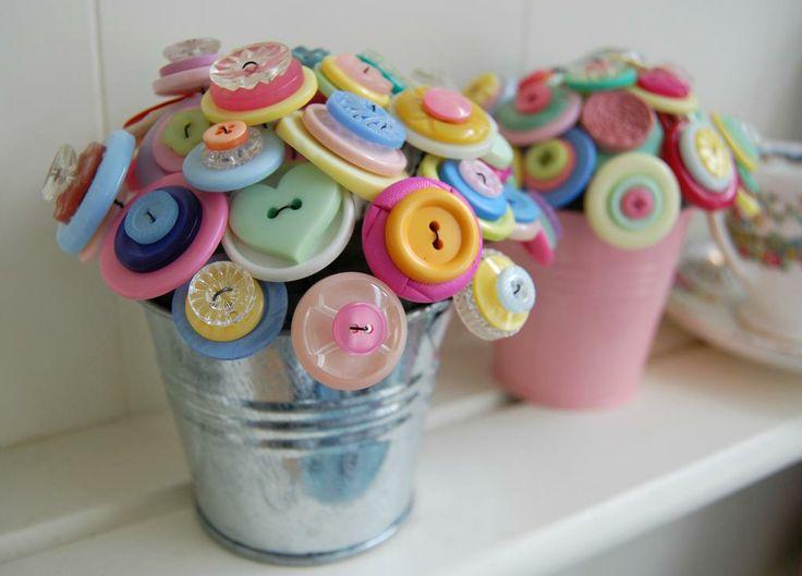 How to Make a Button Bouquet Centre Piece