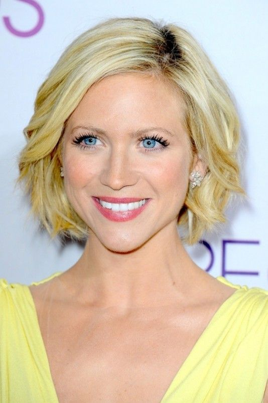 Medium Length Haircuts For Oval Faces : 131 best hairstyles medium length images on pinterest