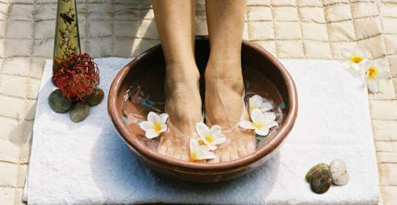 Rimedi naturali per piedi e gambe pesanti