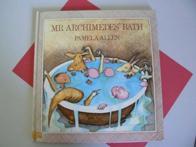 Mr Archimedes' Bath experiment: water, plastic animals and fun