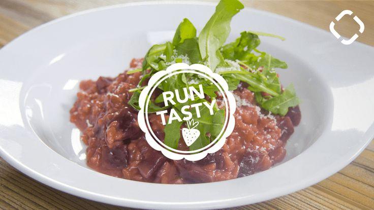 Wie wäre es zur Abwechslung mit Rote-Bete-Risotto? Überrasche deinen Valentinsschatz mit diesem farbenfrohen Abendessen.