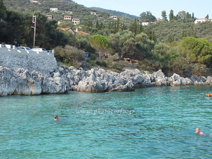Nisaki beach in Corfu - Η παραλία Νησάκι στην Κέρκυρα.