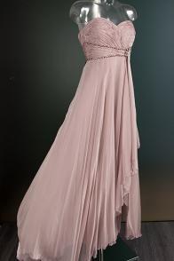 Oud-roze galajurk met knoopdetail 1896
