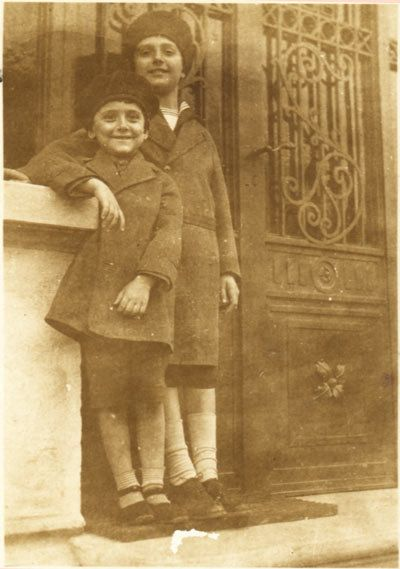 Dinu Lipatti, avec son jeune frère Valentin. Dinu Lipatti raconte par son frere Valentin Lipatti - Catherine Imbert www.catherineimbert.com/Dinu%20Lipatti%20raconte%20par%20son%20frere%20V...