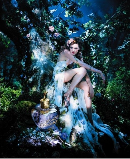 Lolita Lempicka is the most gorgeous fragrance. Totally love it and how divine is this picture! Love.